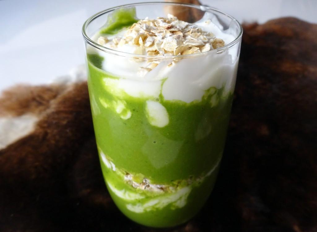 Green smoothie swirlDSC04474